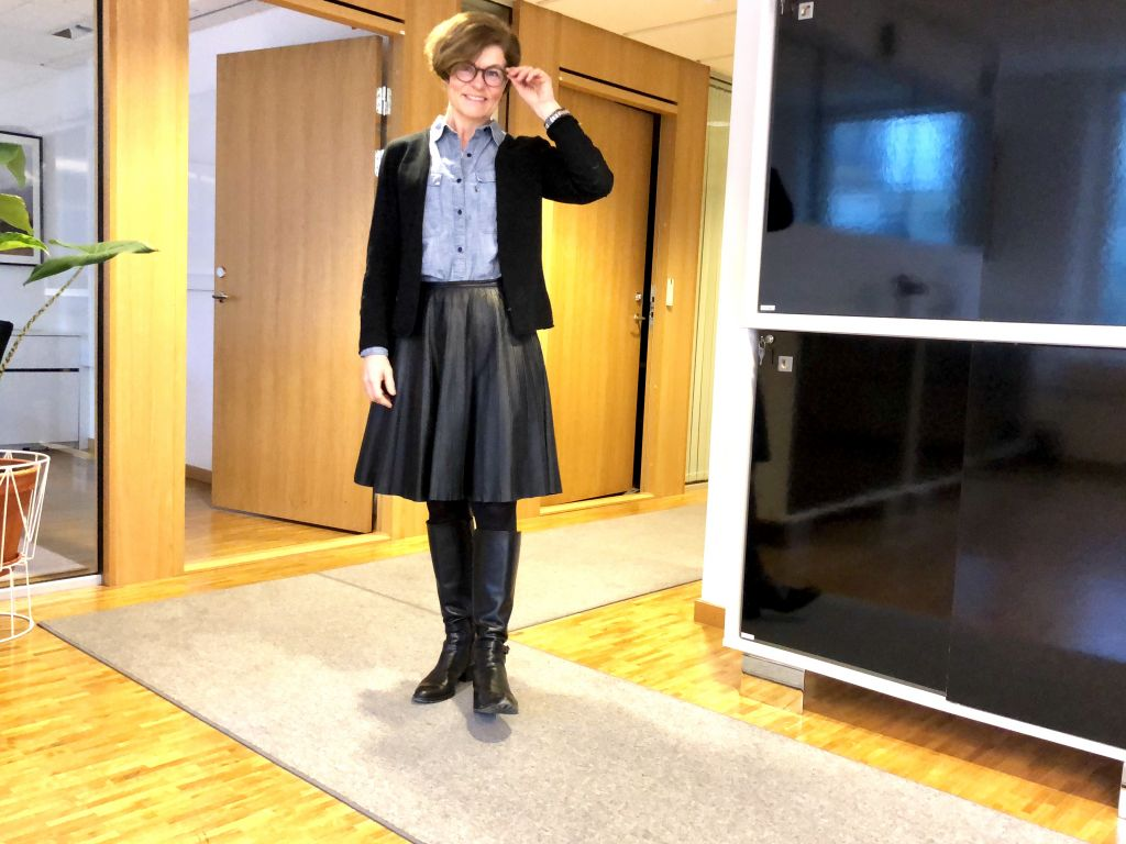 Black leather skirt #whydontyou