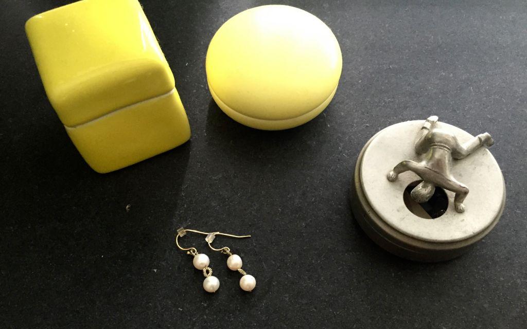 Pearl earrings #whydontyou