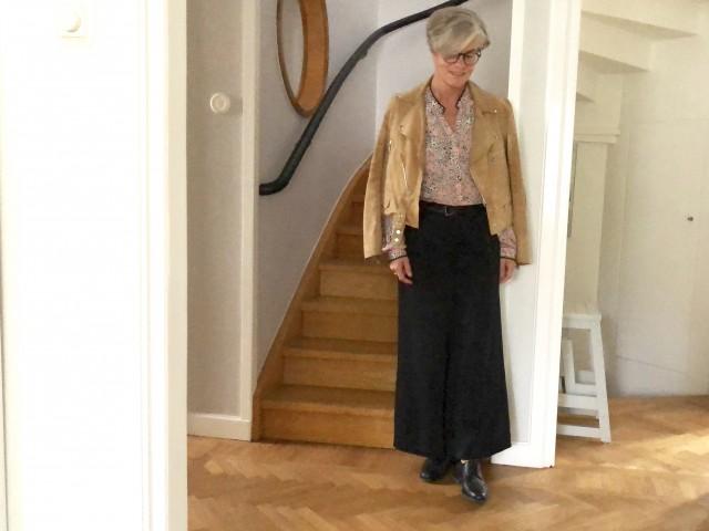 September calls for a jacket #whydontyou